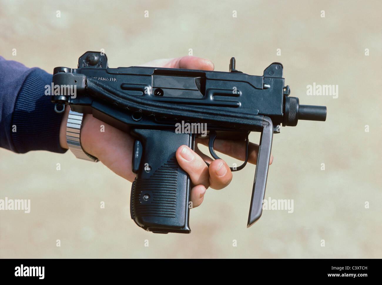 IMI Micro Uzi Submachine gun MAC-11 MAC-10, uzi, assault Rifle, airsoft png  | PNGEgg