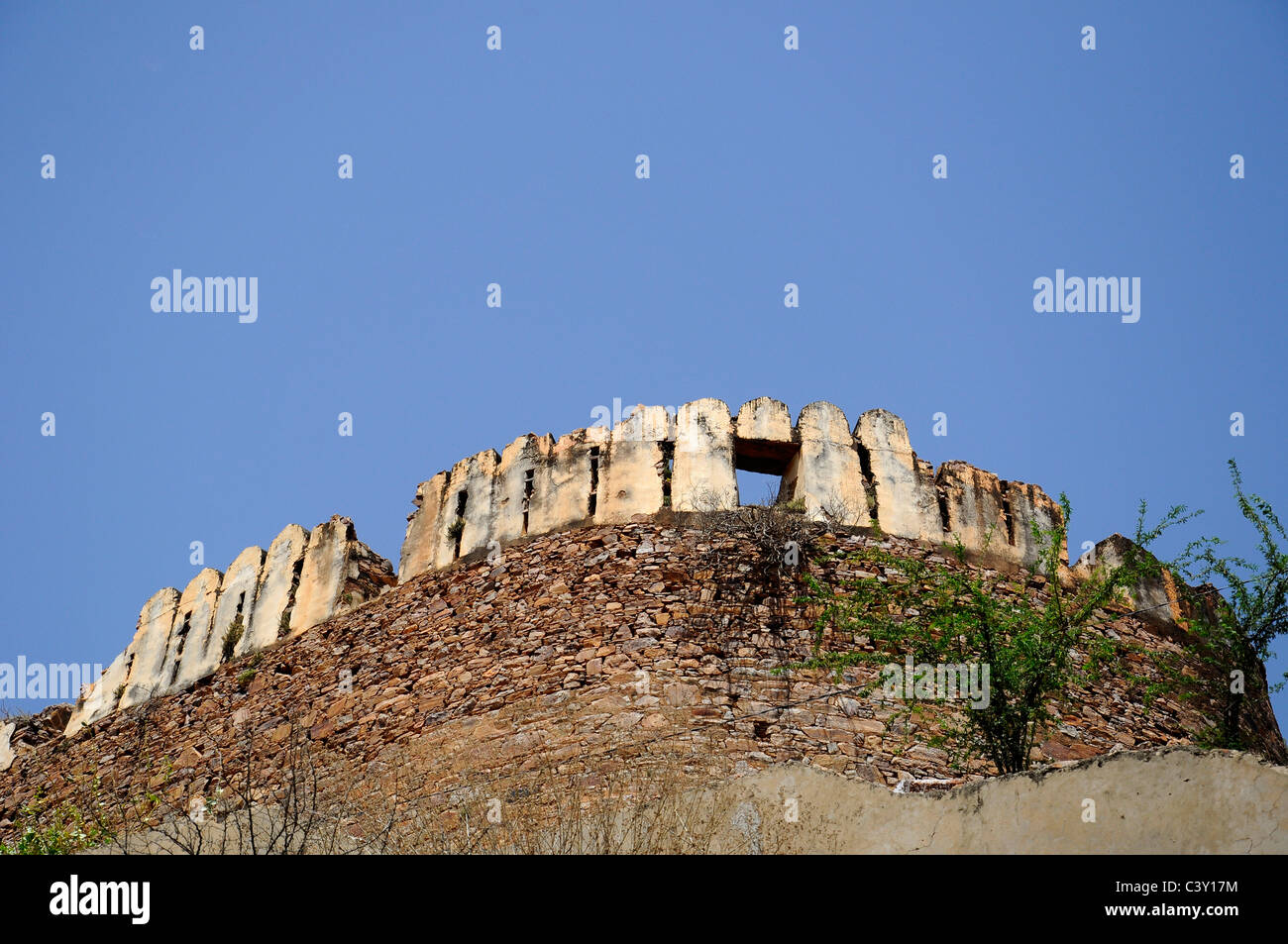 Fortified wall of Taragarh fort of Ajmer - Stock Image