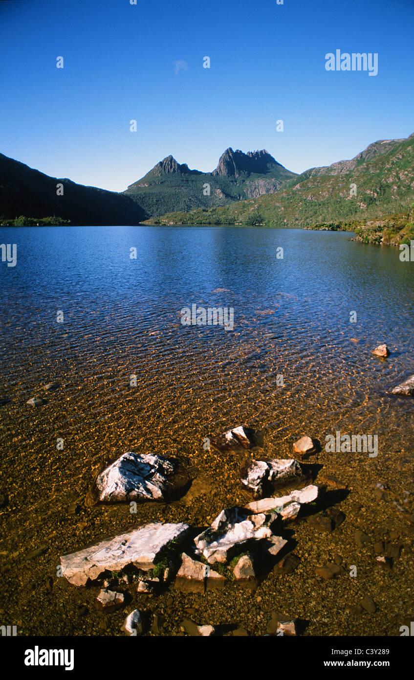 Cradle Mountain and Lake Dove in the Cradle Mountain National Park of Tasmana, Australia - Stock Image