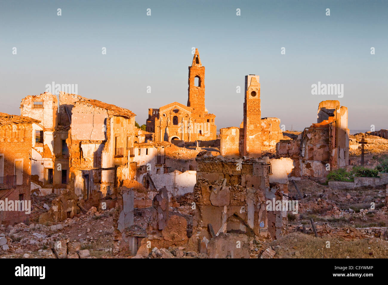 Spain, Europe, Aragon, Belchite, ecological, ruins, tower, rook, old, new - Stock Image