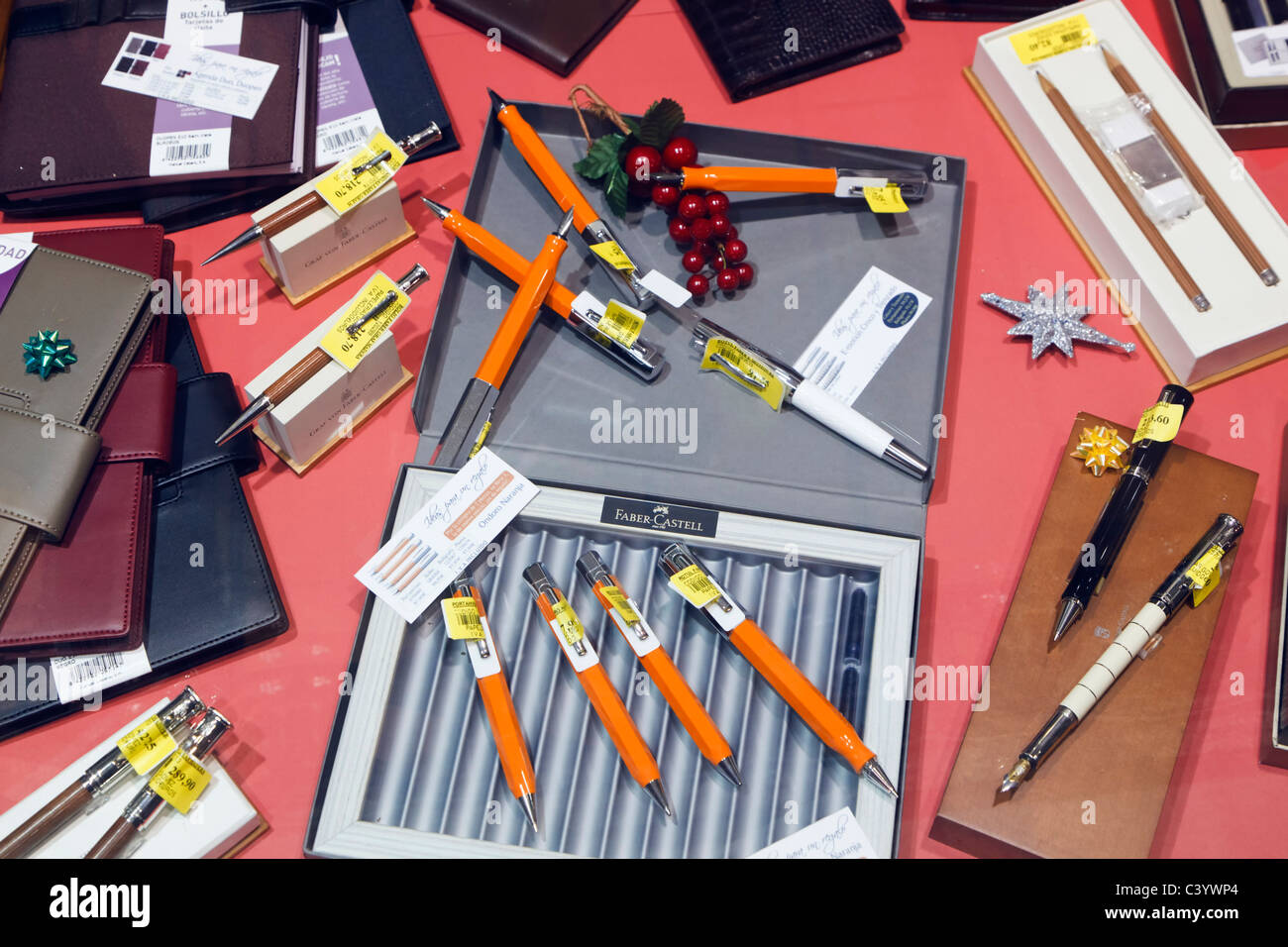 High quality pens and retractable pencils in stationary shop window - Stock Image