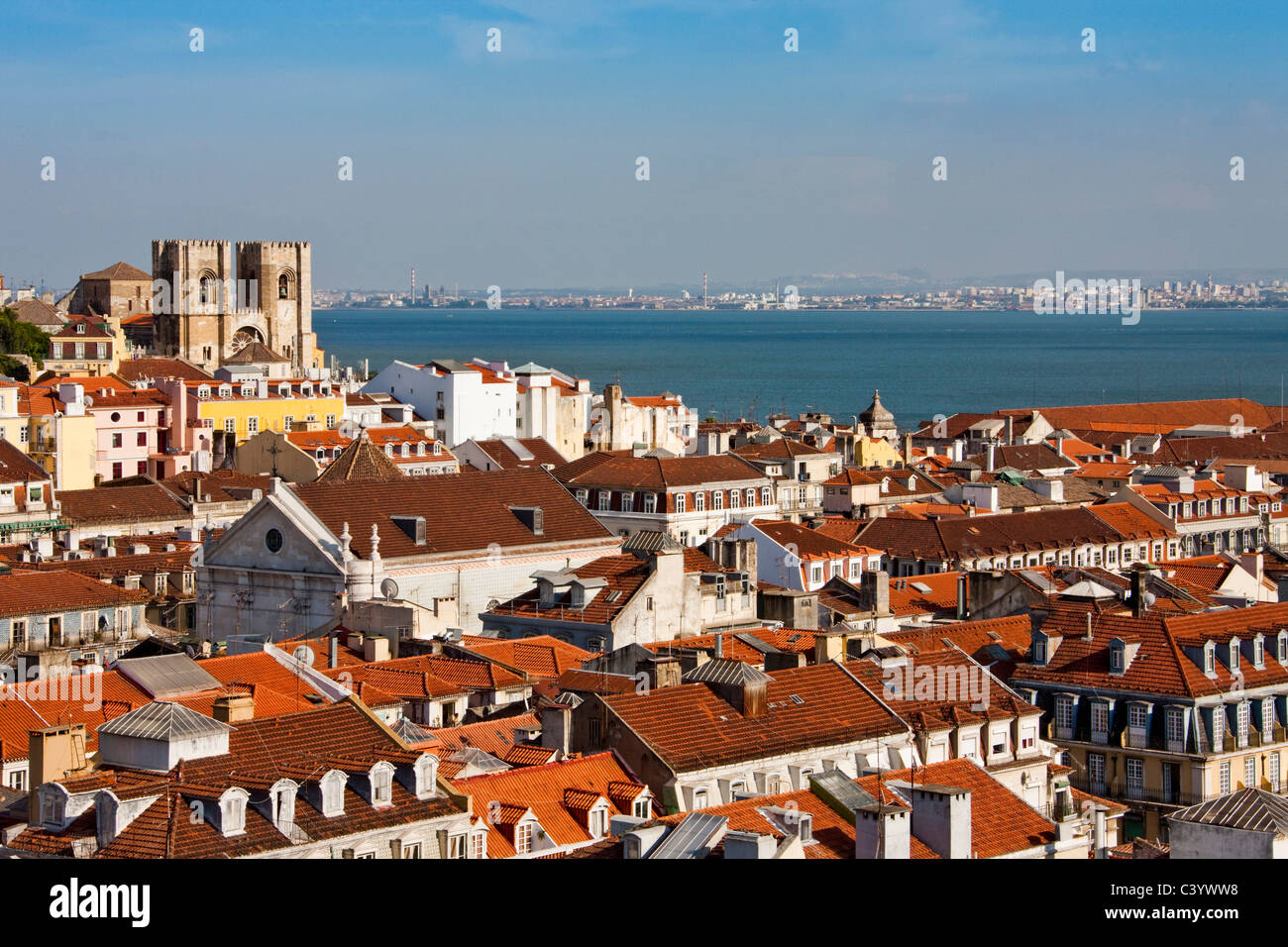 Portugal, Europe, Lisbon, Alfama, Se, cathedral, Old Town, sea - Stock Image