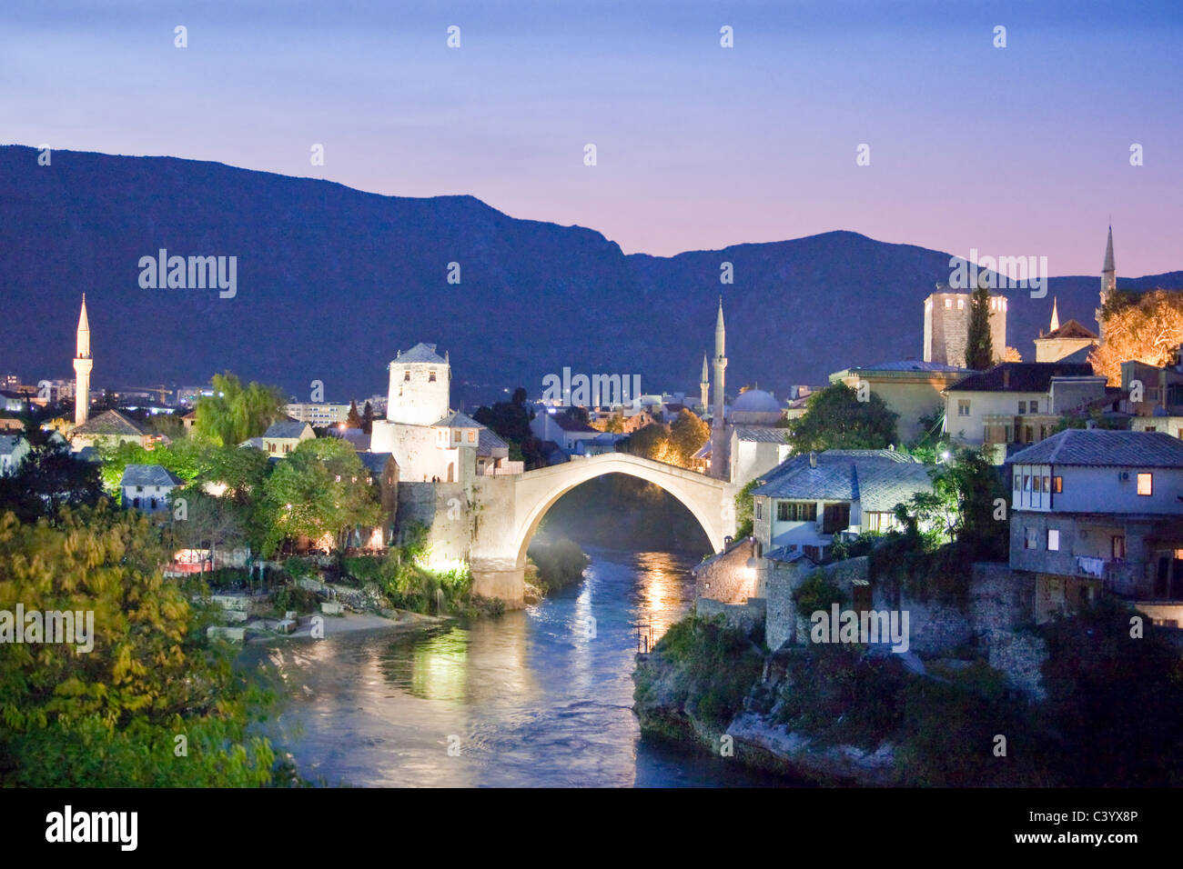 Bosnia Herzegovina, Mostar, Mostar, Old Town, bridge, in, evening - Stock Image