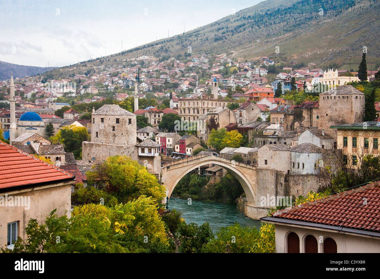 Bosnia Herzegovina, Mostar, Mostar, Old Town, bridge, - Stock Image