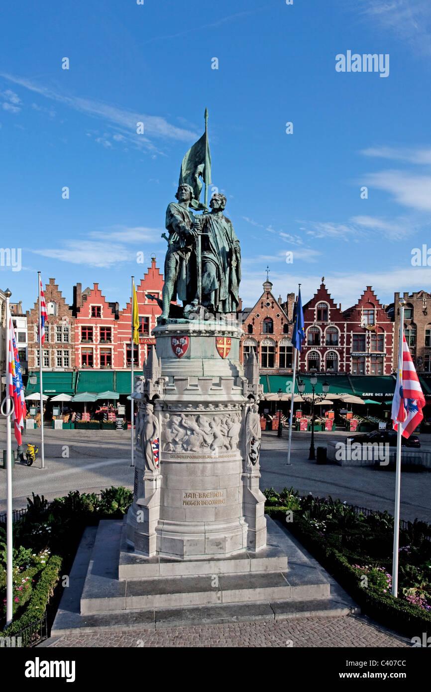 Belgium, Europe, Brugge, Jan Breidel, monument, statue, houses, homes, gables - Stock Image