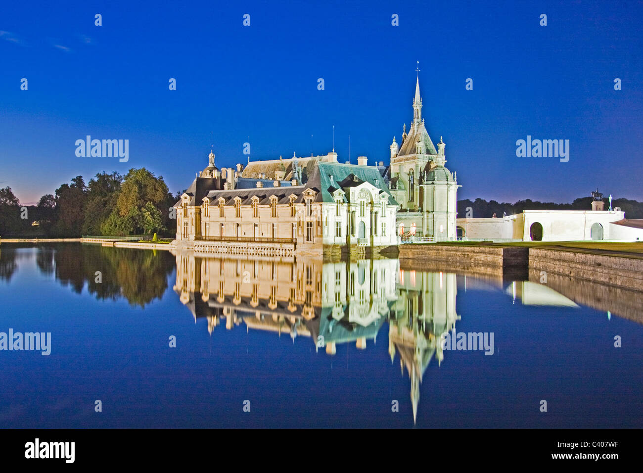 France, Europe, Villandry, Picardy, castle, world cultural heritage, at night, water, reflection Stock Photo