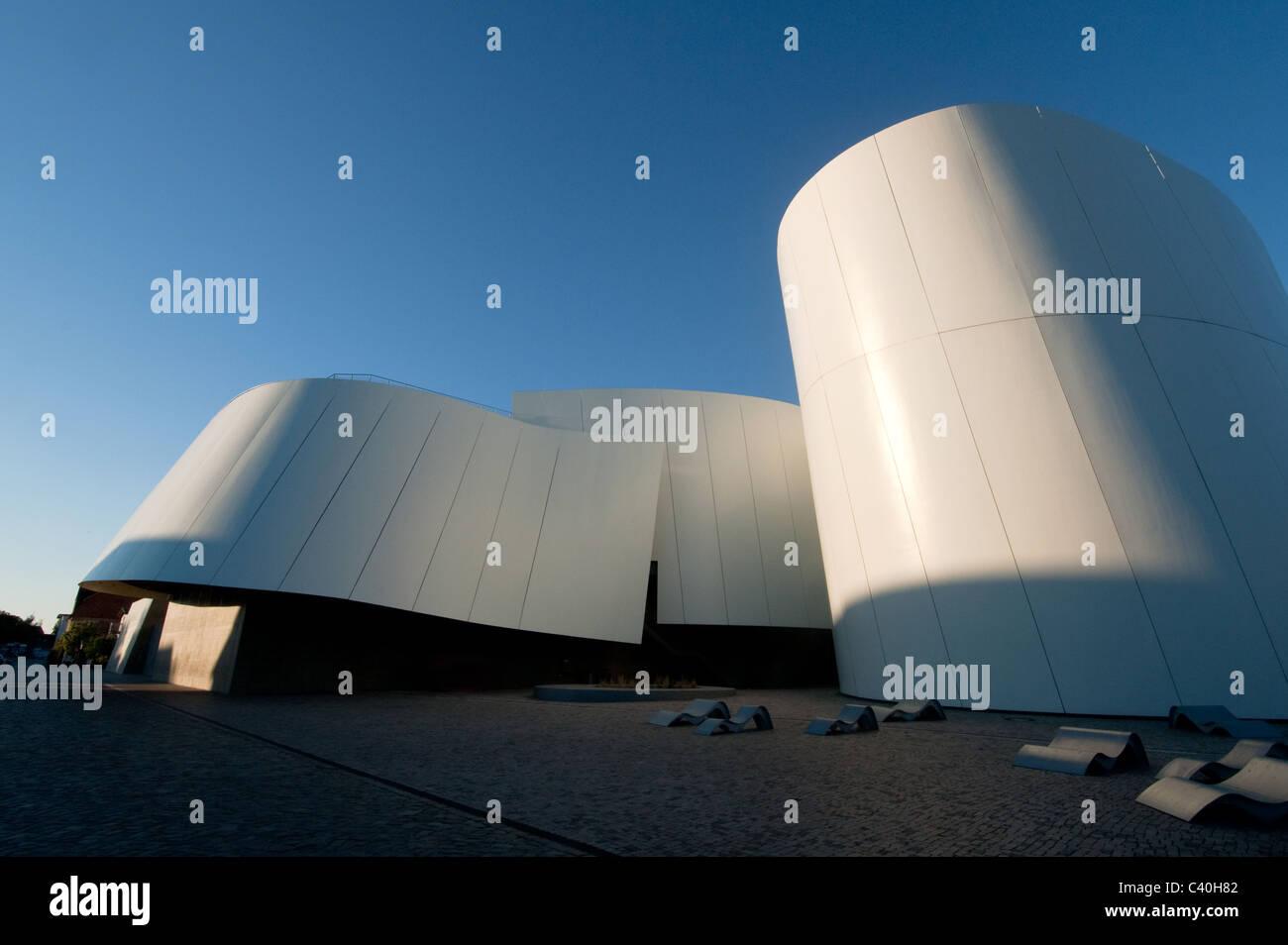 The new Ozeaneum Public Aquarium, in Stralsund harbour, Baltic Sea, Mecklenburg-Western Pomerania, Germany, Europe - Stock Image
