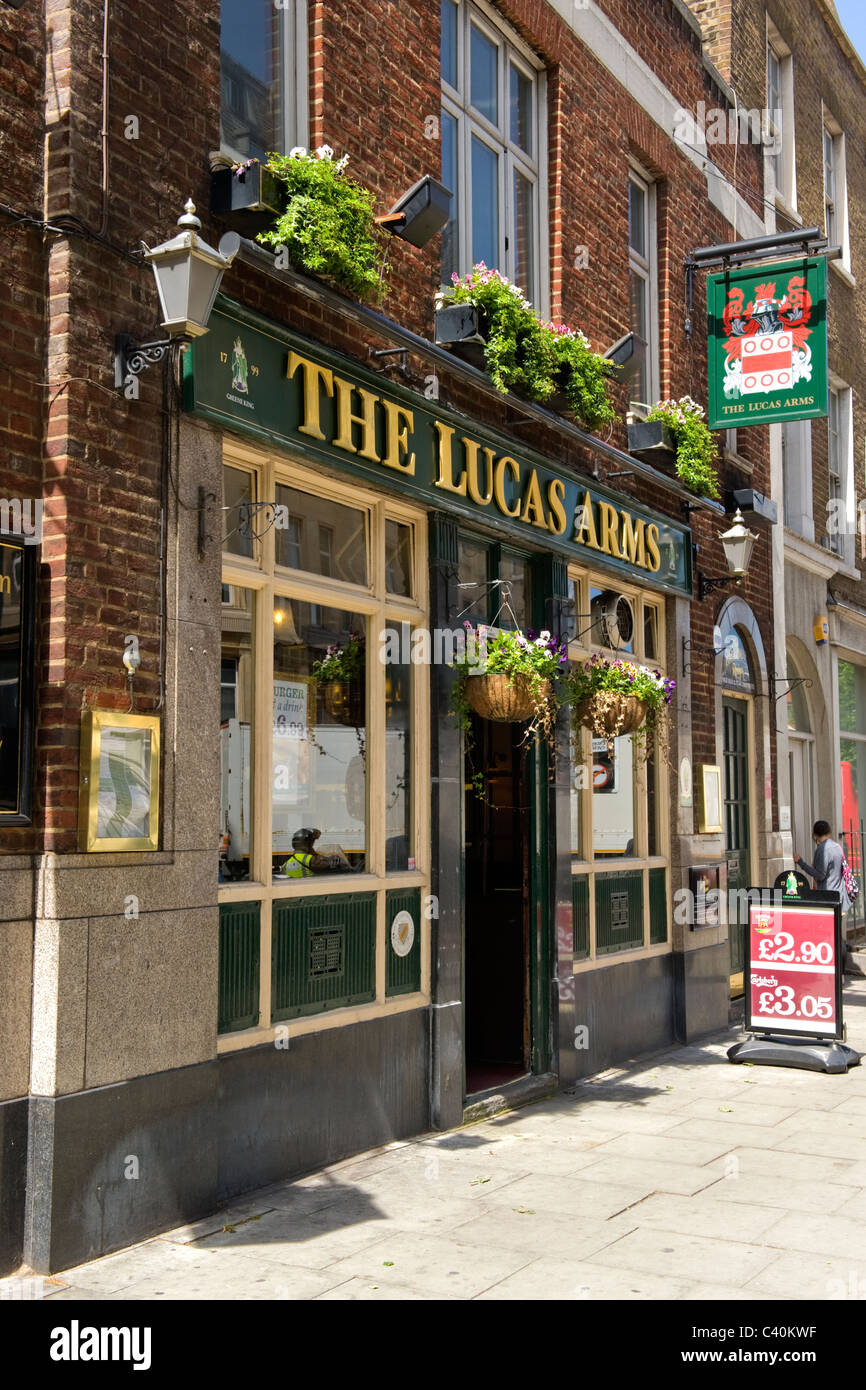 London Kings Cross The Lucas Arms Named By Bridge Builder Stock Photo Alamy
