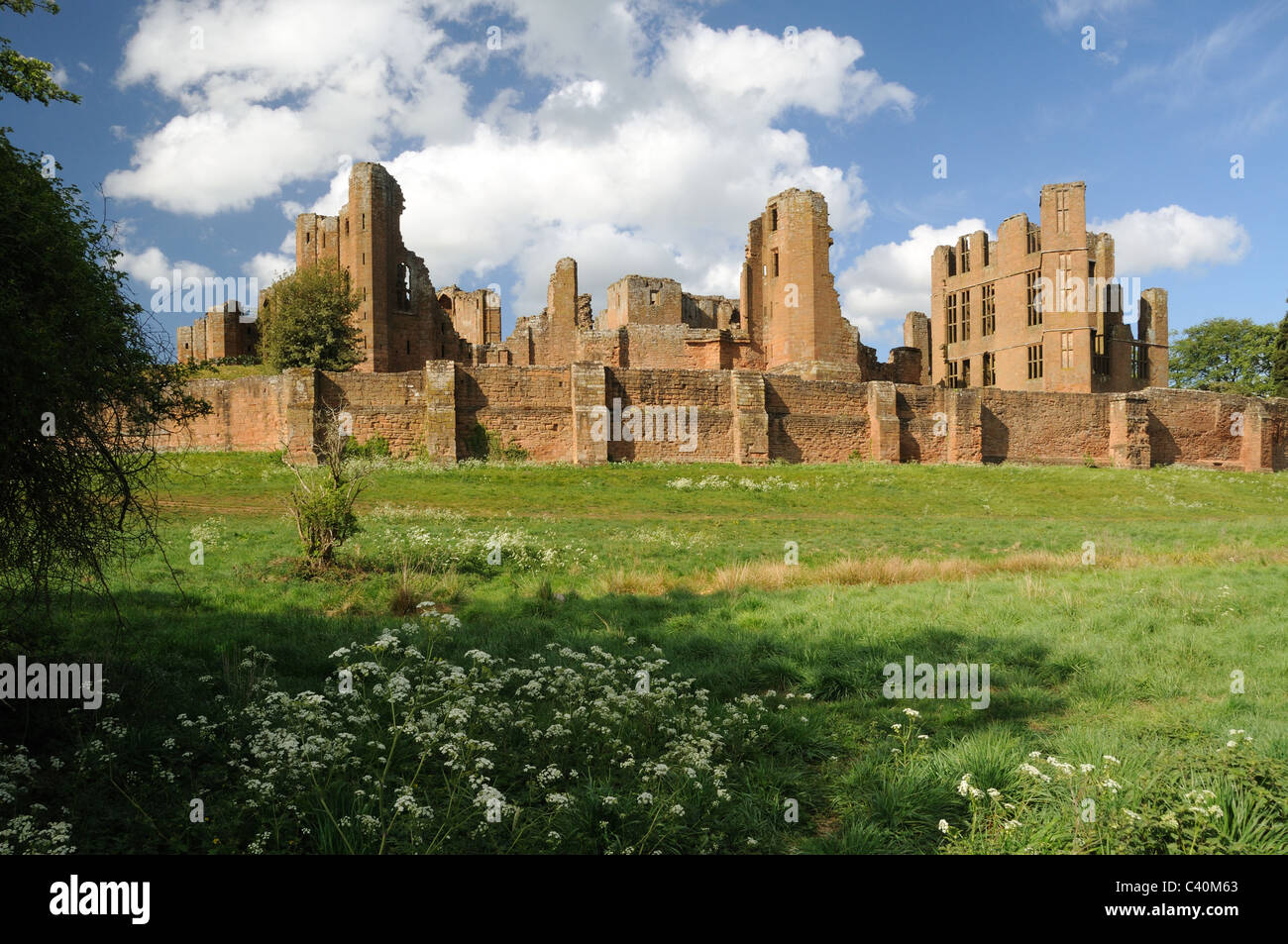 The ruins of Kenilworth Castle, in Kenilworth, Warwickshire, England - Stock Image