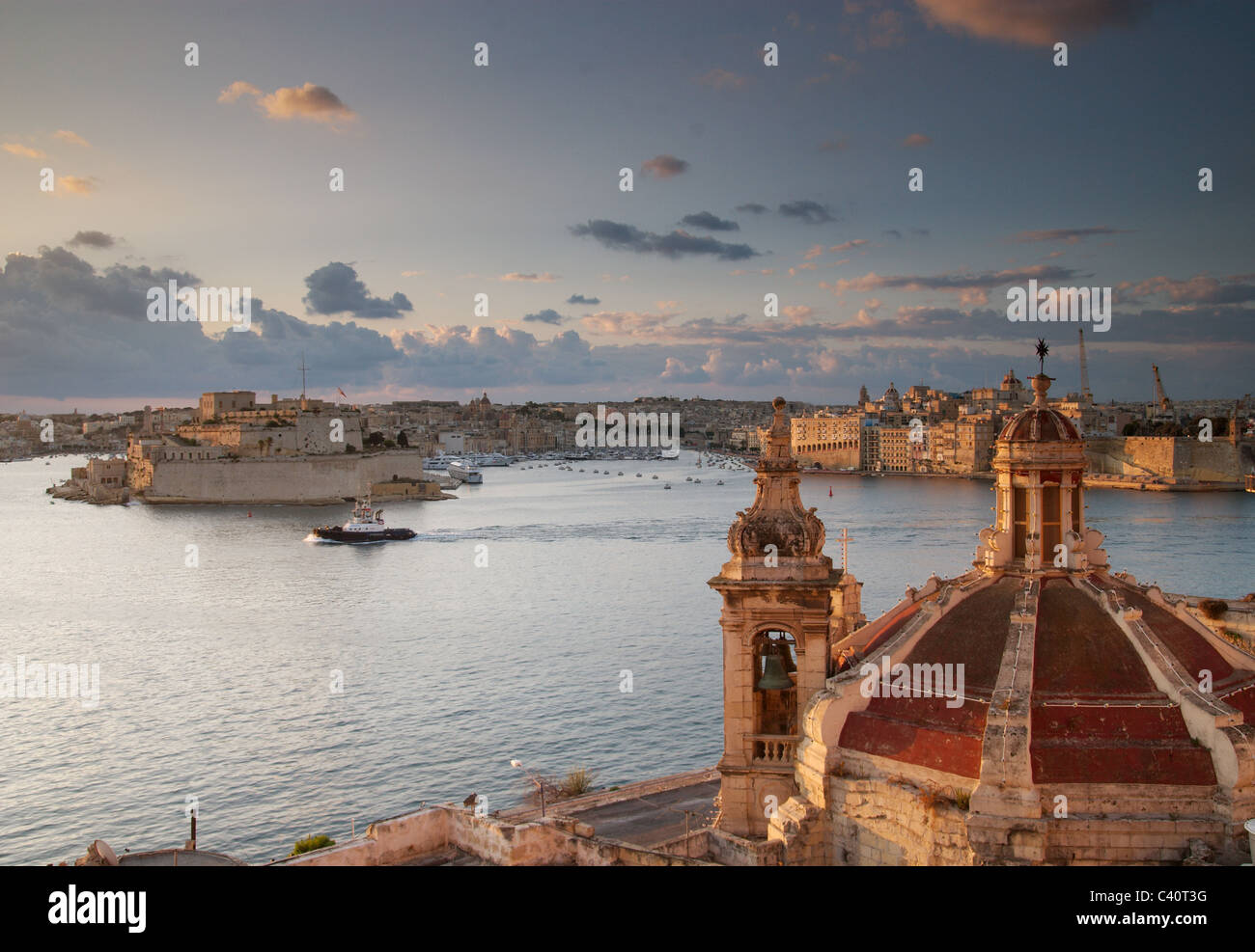 Sunrise over the Grand Harbor, Valletta, Malta - Stock Image