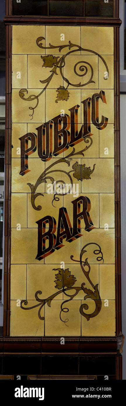 3384. Old Pub wall tiles, Folkestone, Kent, UK - Stock Image