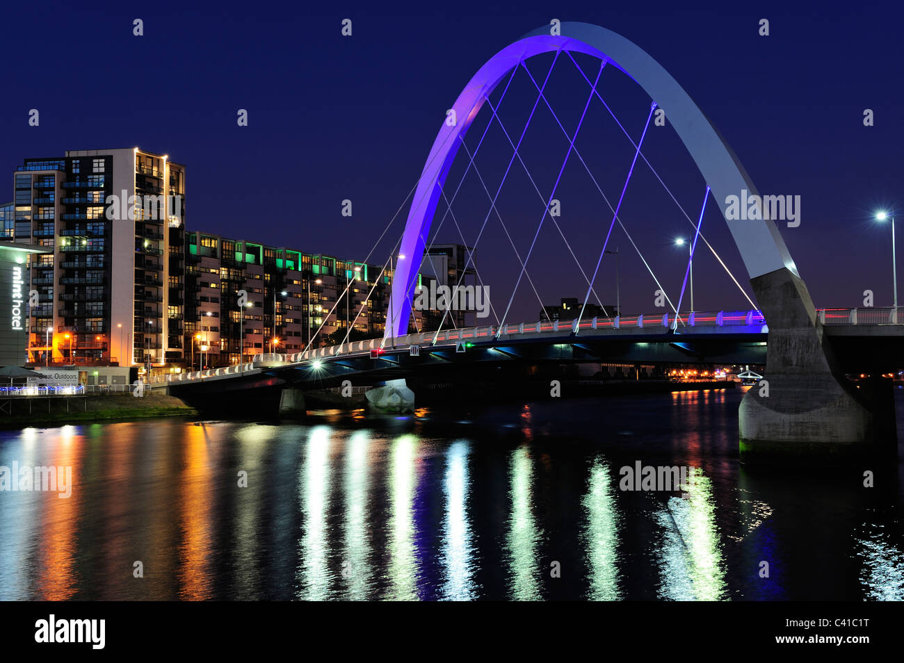Clyde Arc Bridge at Finnieston at night, Glasgow, Scotland - Stock Image