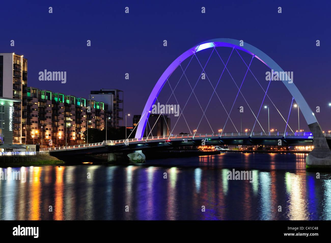 Clyde Arc Bridge at Finnieston at night, Glasgow, Scotland Stock Photo
