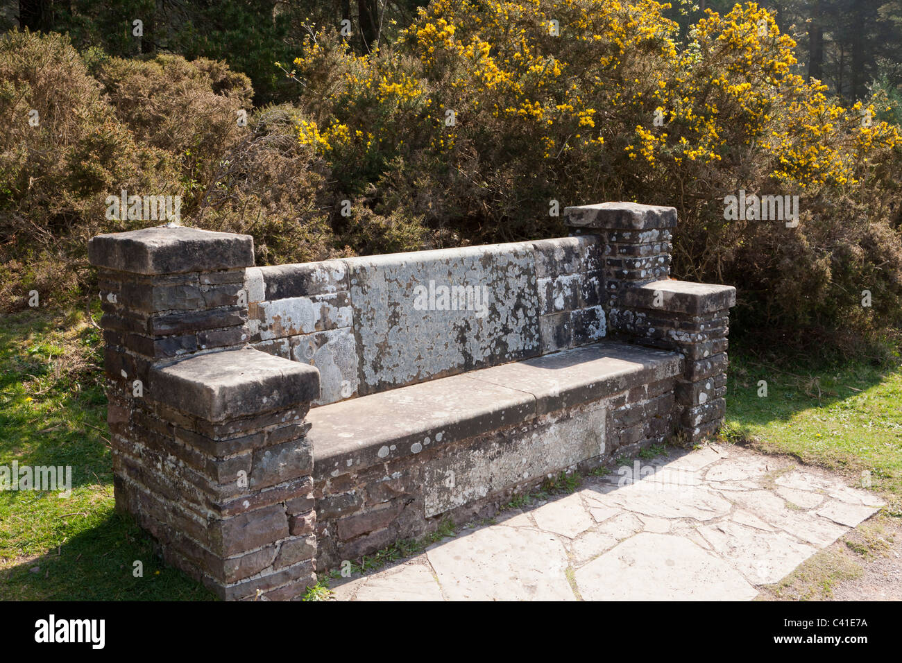 A stone seat viewpoint on the Webbers Post Easy Access Trail on Exmoor, Somerset, England UK - Stock Image