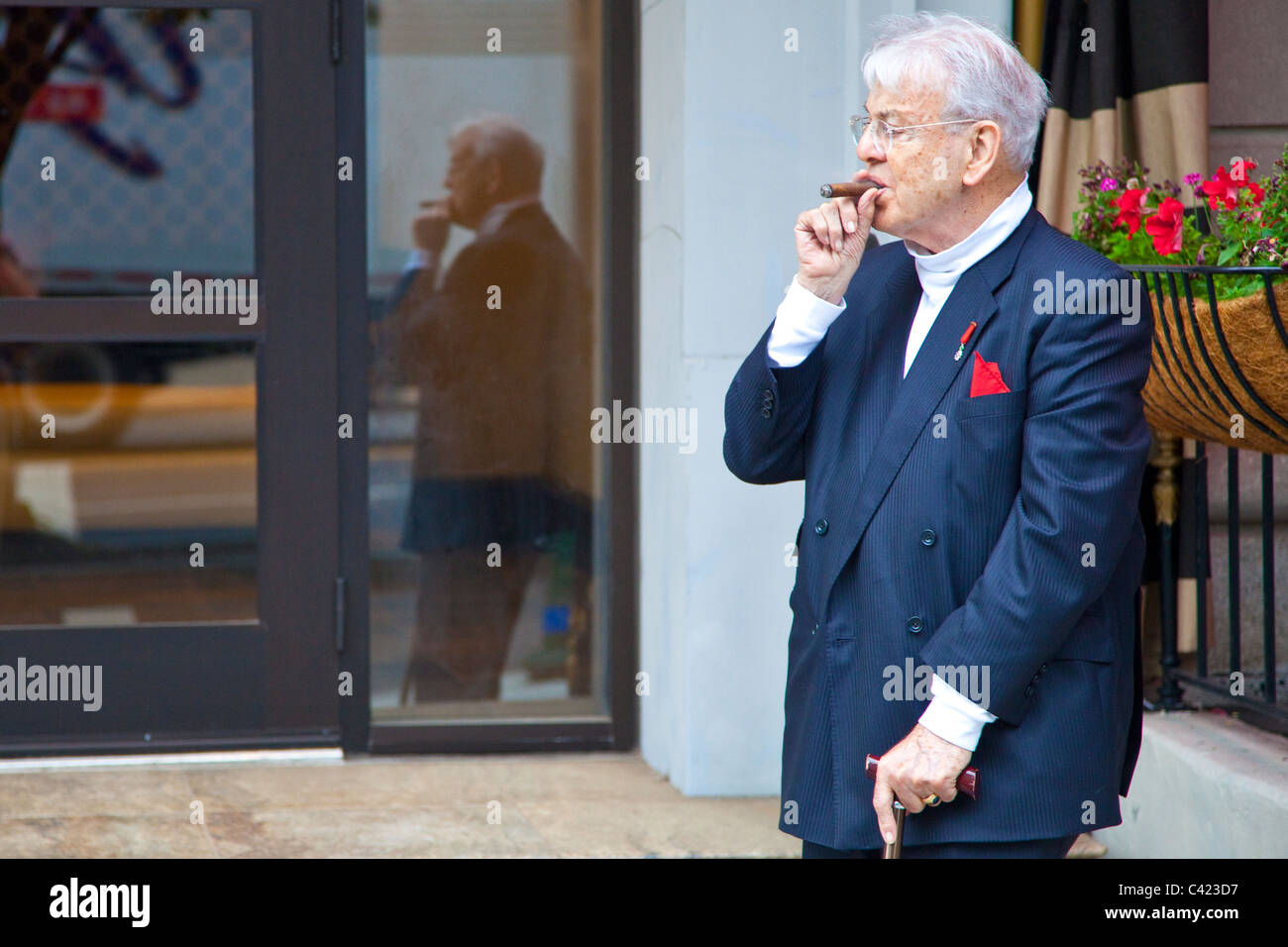 Wealthy elderly man in Washington DC - Stock Image
