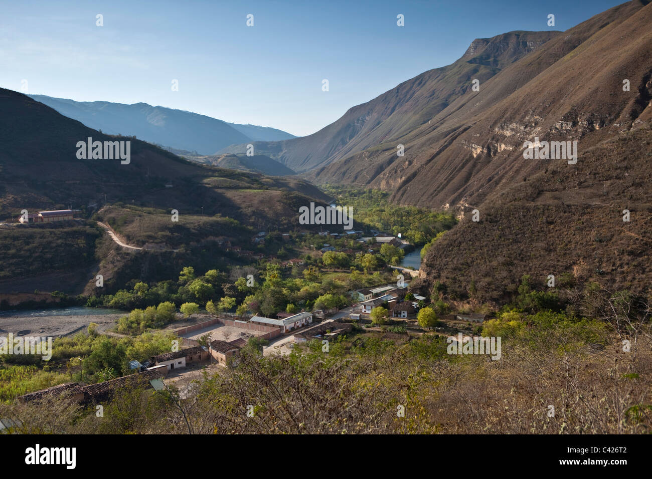 Peru, Panoramic view of hamlet near Chachapoyas. - Stock Image