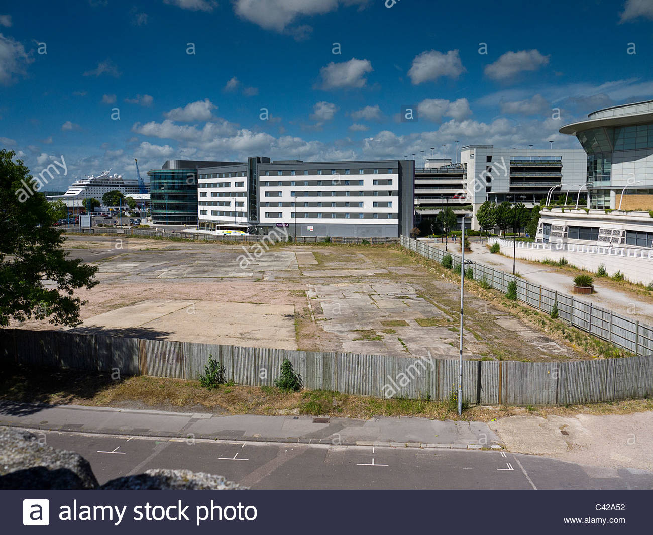 Southampton Quays Building Land in Waiting - Stock Image