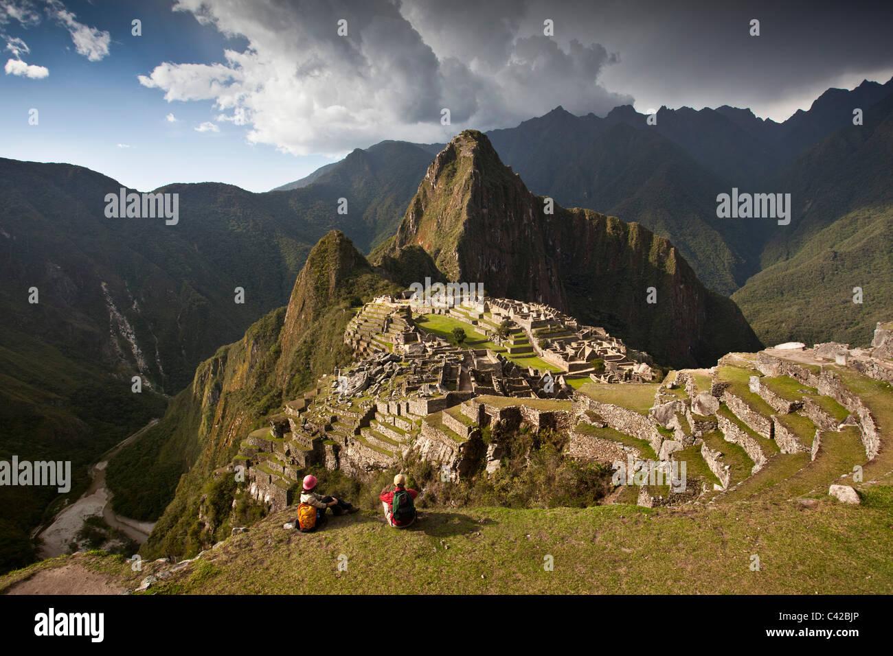Peru, 15th-century Inca site located 2,430 metres (7,970 ft) above sea level. Tourists. - Stock Image