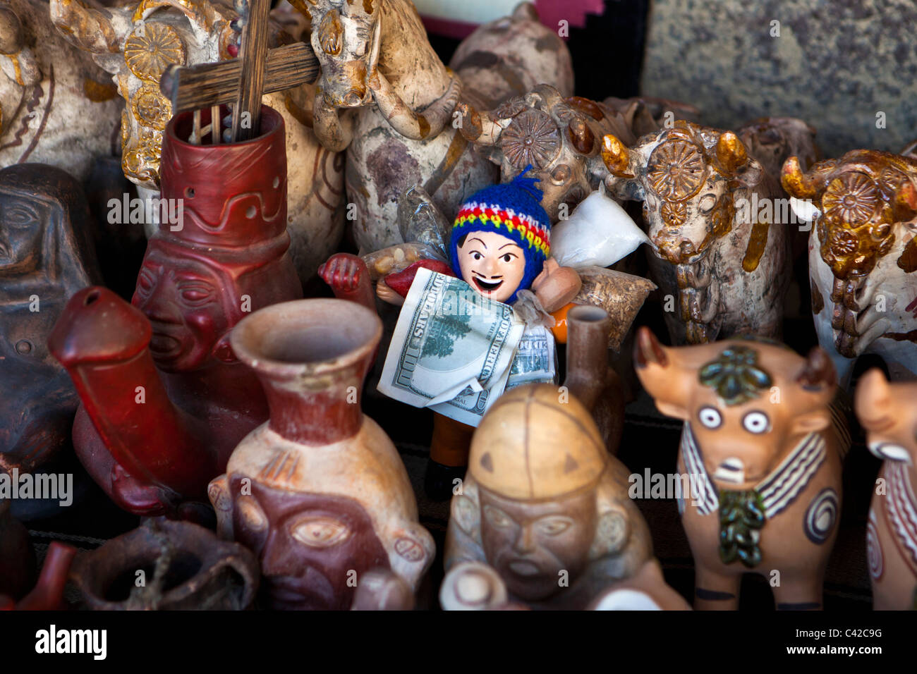 Peru, Ollantaytambo, souvenirs for sale. - Stock Image