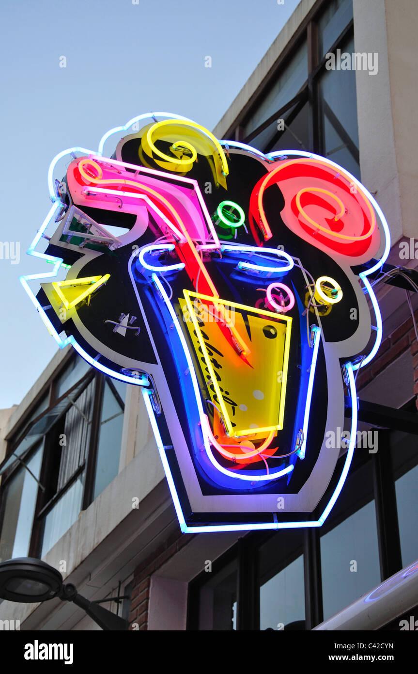 Cocktail Bar neon sign, Candido des Reis, Albufeira, Albufeira Municipality, Faro District, Algarve Region, Portugal - Stock Image