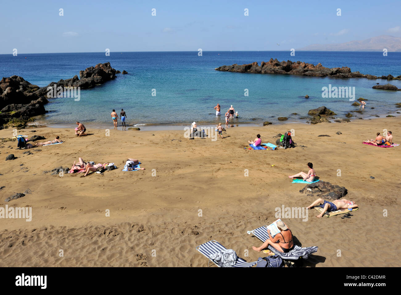Beach And Cove Of Playa Chica Old Town Puerto Del Carmen Stock Photo Alamy