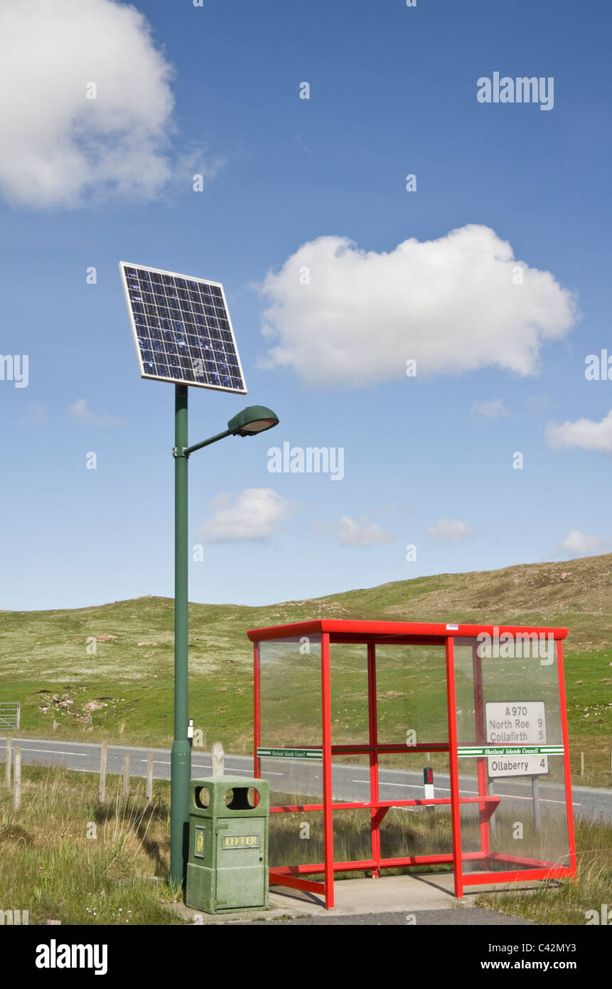 Northmavine, Shetland Islands, Scotland, UK. Rural bus shelter with street light powered by a solar panel - Stock Image