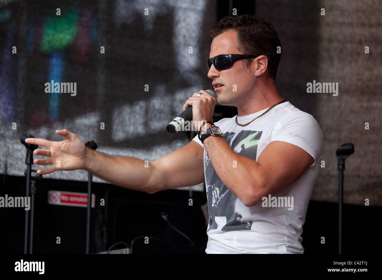 Singer Jamie Connolly at Birmingham Gay Pride 2011. - Stock Image