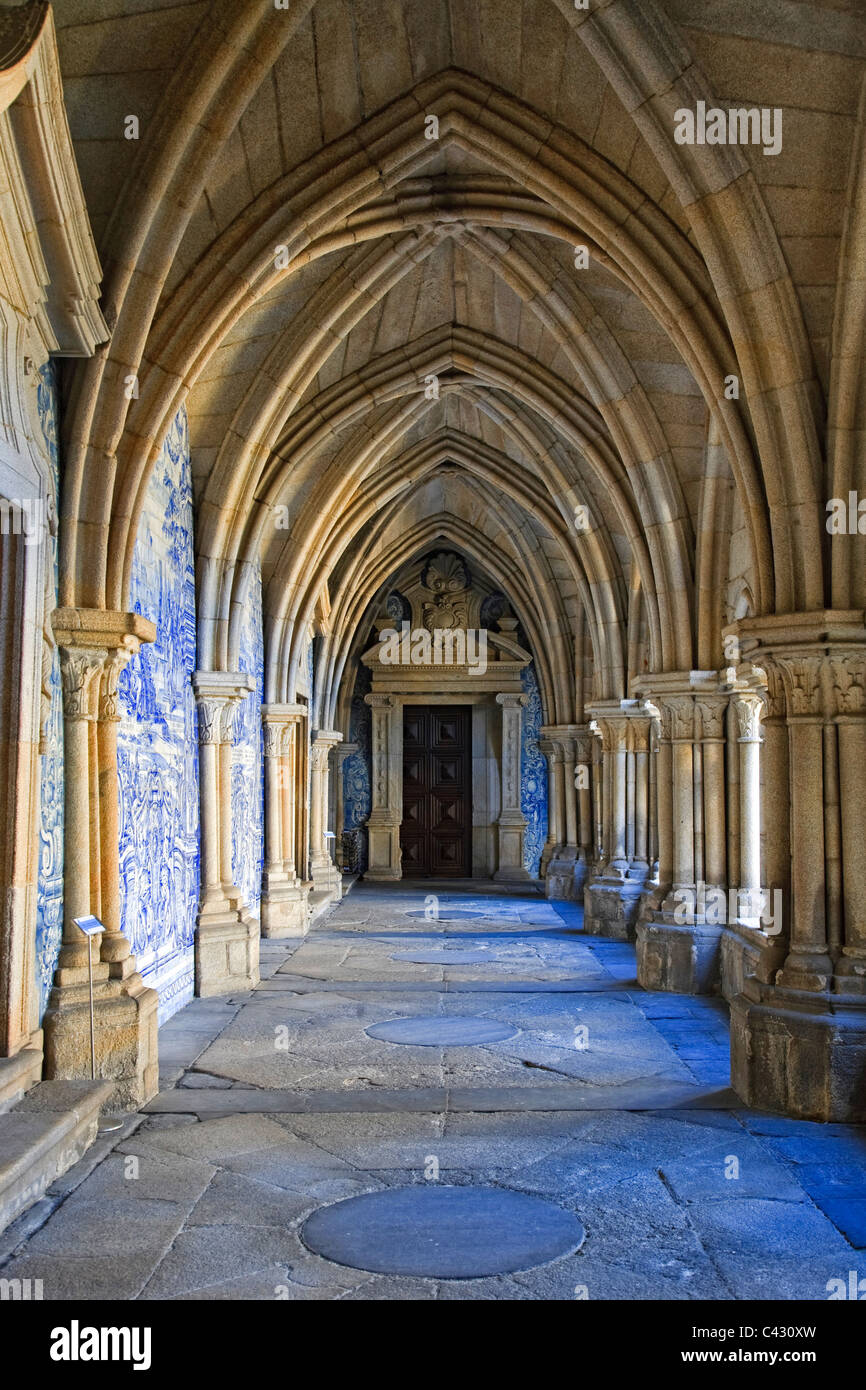 Sé (Cathedral) cloisters, Porto Old Town (UNESCO World Heritage), Portugal Stock Photo
