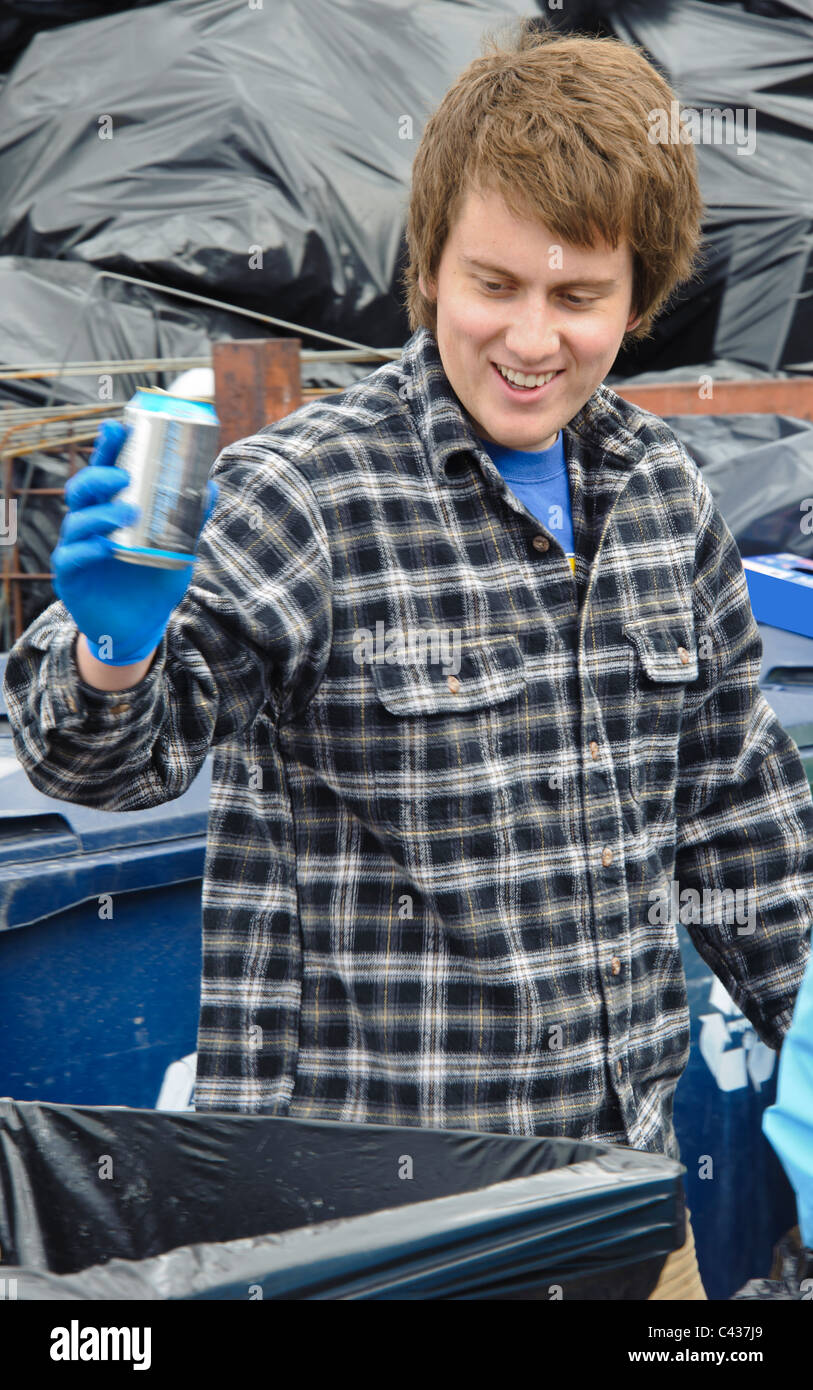 Student volunteers participate in the Recycle Relay during Earth Week 2011 at the University of Montana, Missoula. - Stock Image