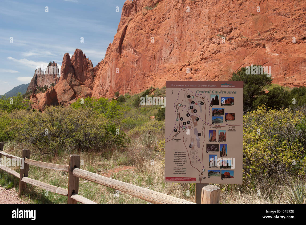 Trail sign near the North Main Parking lot, Garden of the Gods, Colorado Springs CO - Stock Image