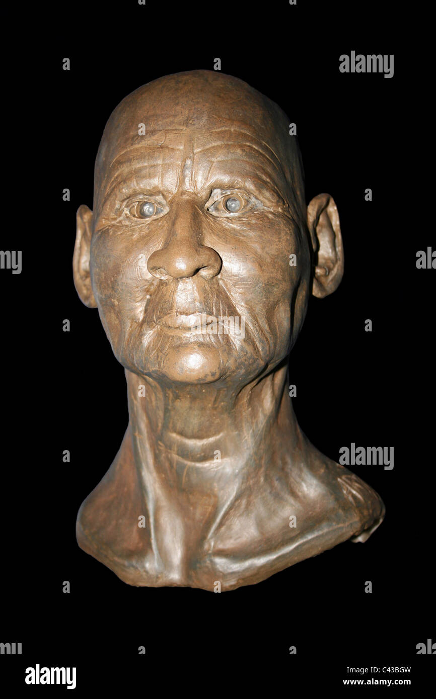 Facial Reconstruction Of Asru, A Temple Chantress From Thebes Taken At Manchester Museum, England, UK - Stock Image