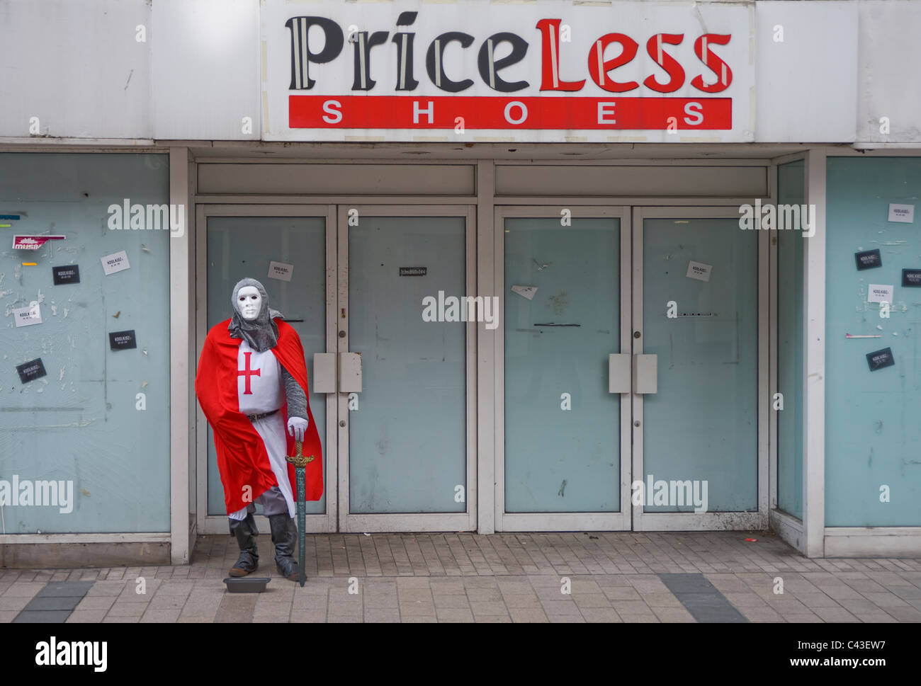 Closed down shoe store, Belfast. - Stock Image