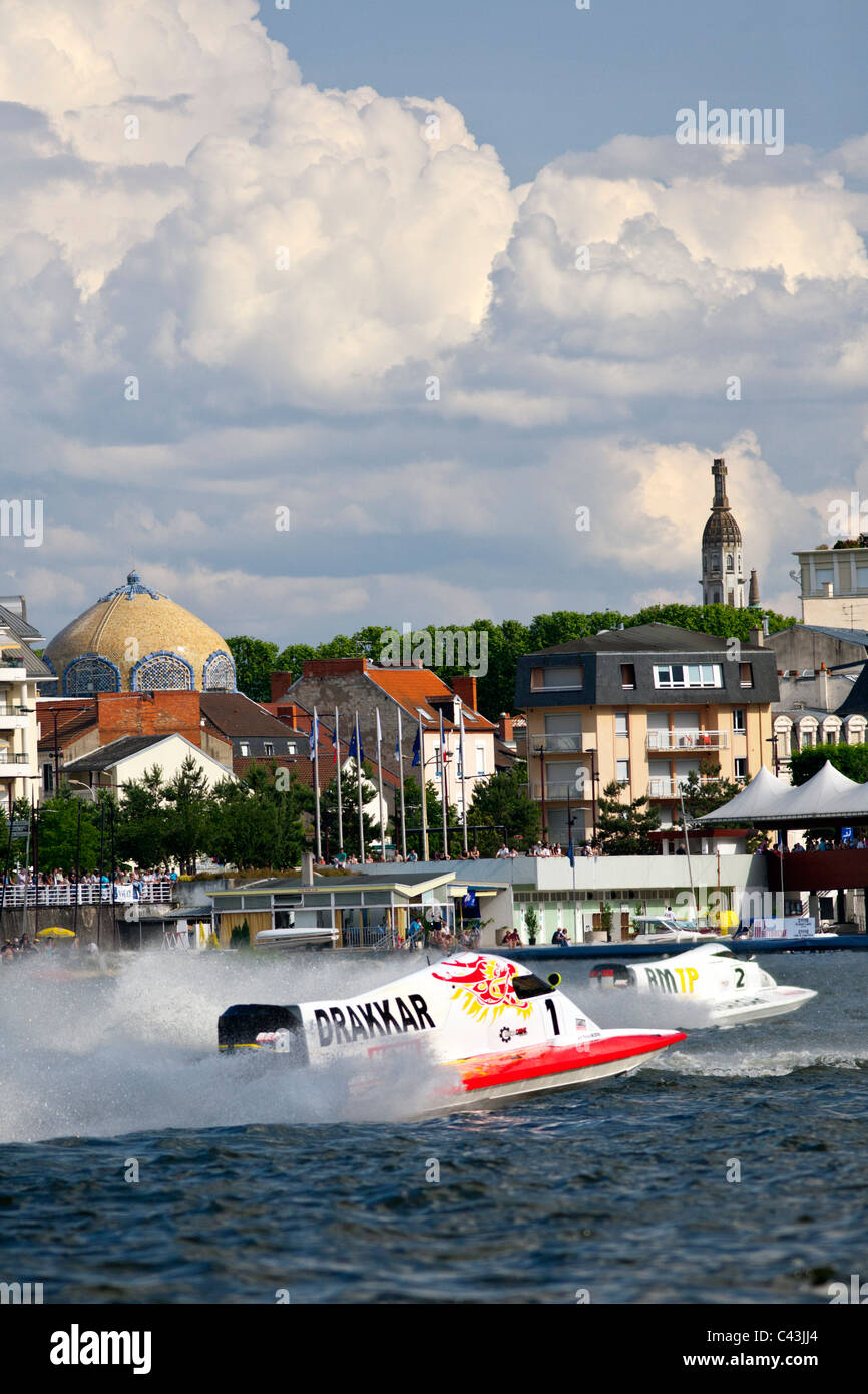 The France powerboat racing championship organized on the Lake of Allier by the French federation of motorboat racing - Stock Image