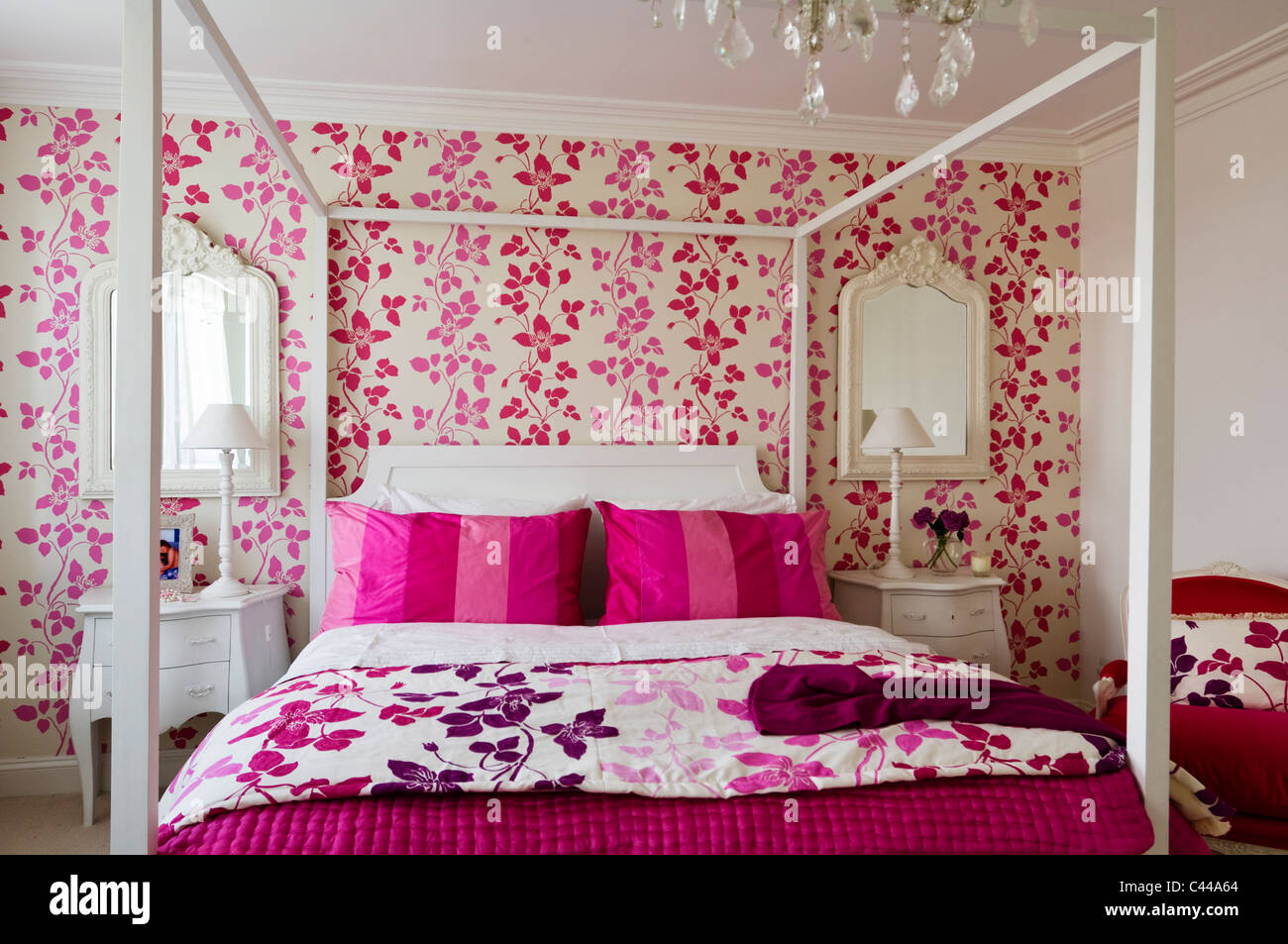pink and white bedroom wallpaper wallpaper stock photos amp wallpaper stock 19467