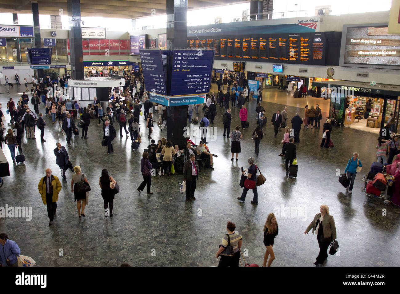 Concourse - Euston Mainline Railway Station - London - Stock Image