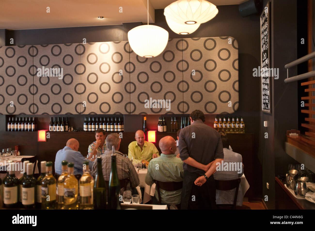 Diners at Must Wine Bar.  Mt Lawley, Perth, Western Australia, Australia - Stock Image