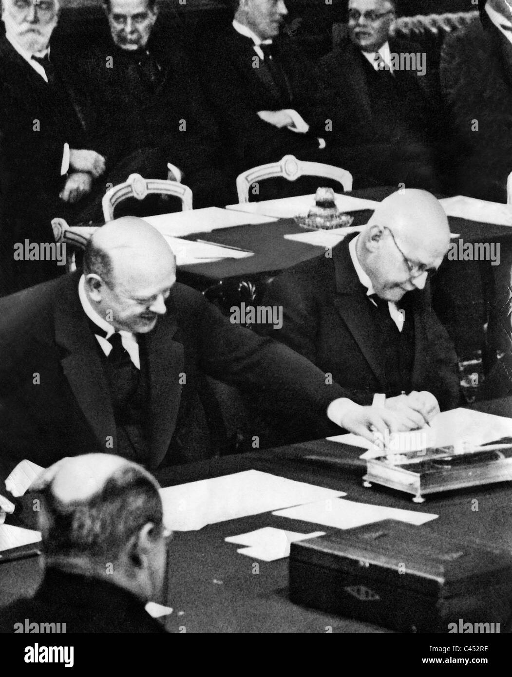 Gustav Stresemann And Hans Luther Sign The Locarno Treaties 1925