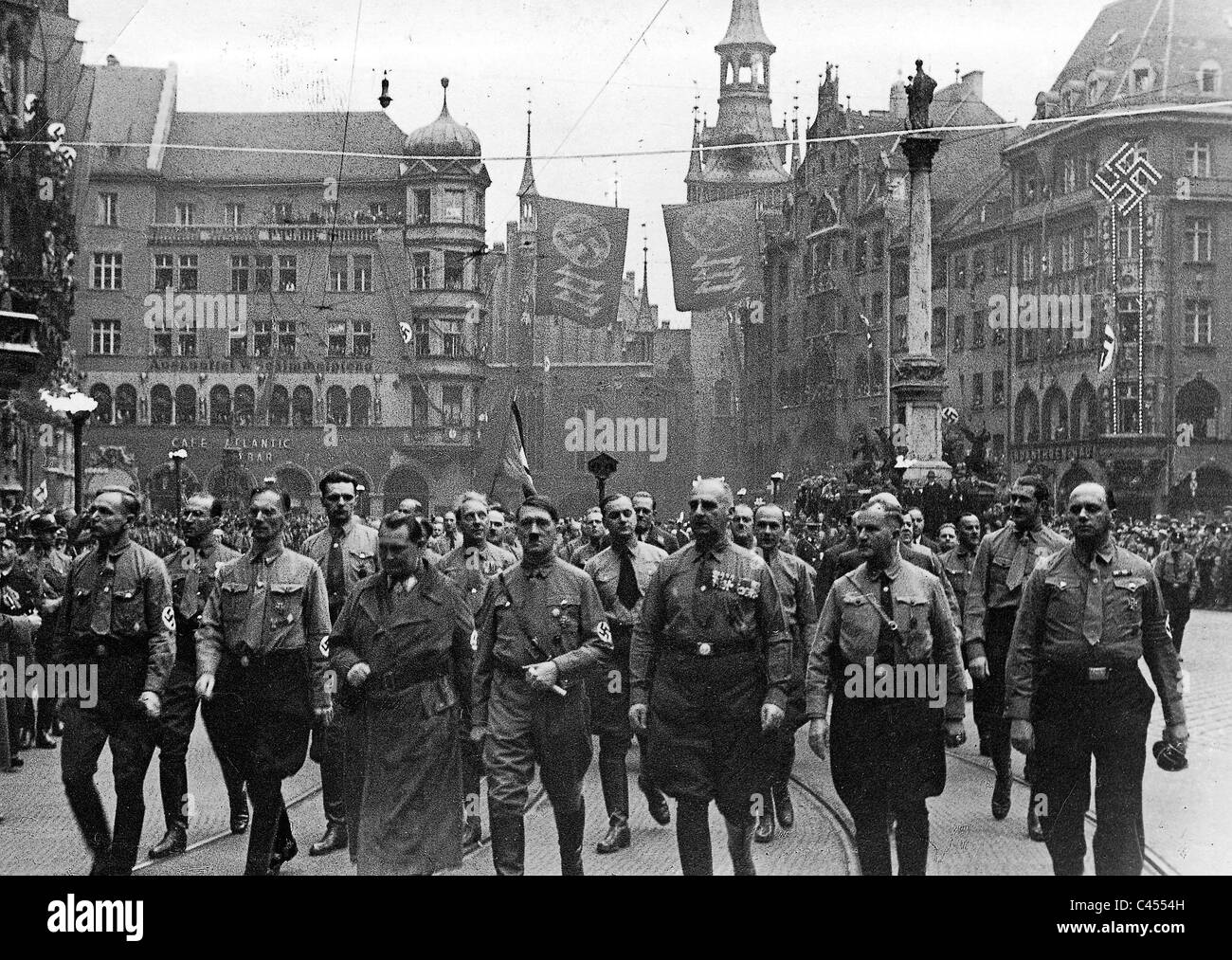 hitler and the nazi party Spectacle was like oxygen for the nazis, and heinrich hoffmann was instrumental in staging hitler's growing pageant of power hoffmann, who joined the party in 1920 and became hitler's personal photographer and confidant, was charged with choreographing the regime's propaganda carnivals and selling them to a wounded german public.