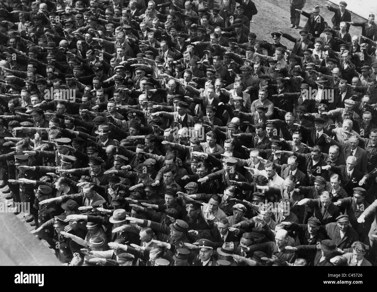 refusal-to-the-nazi-salute-1936-C45726.j