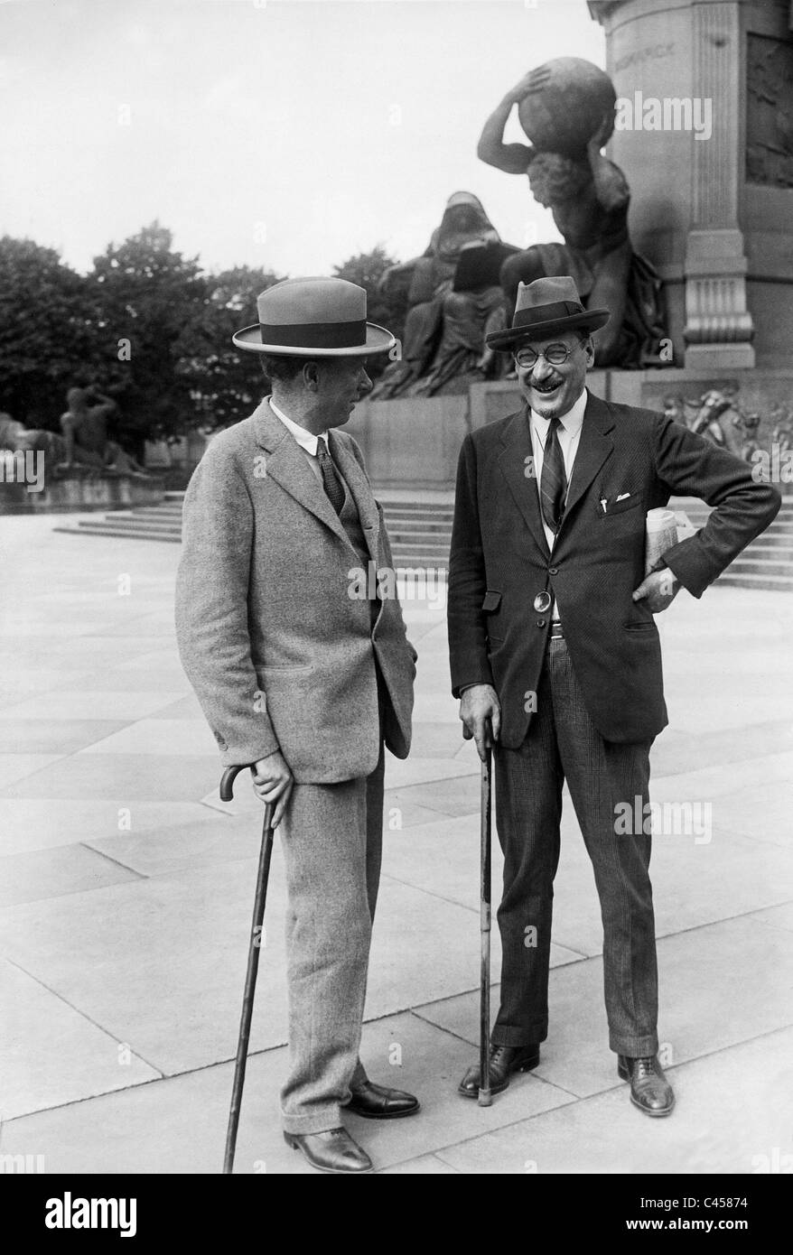 Sinclair Lewis and Count Karoly in Berlin, 1928 - Stock Image