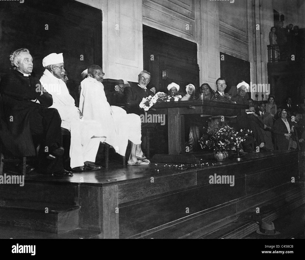 Mahatma Gandhi, Laurence Housman, Madeleine Slade and Sarojini Naidu at the Quakers in London, 1931 - Stock Image