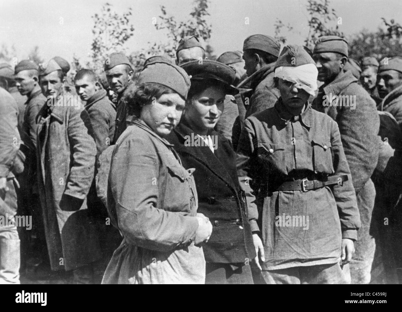 Female Soviet prisoners of war on the Eastern front, 1941 Stock Photo