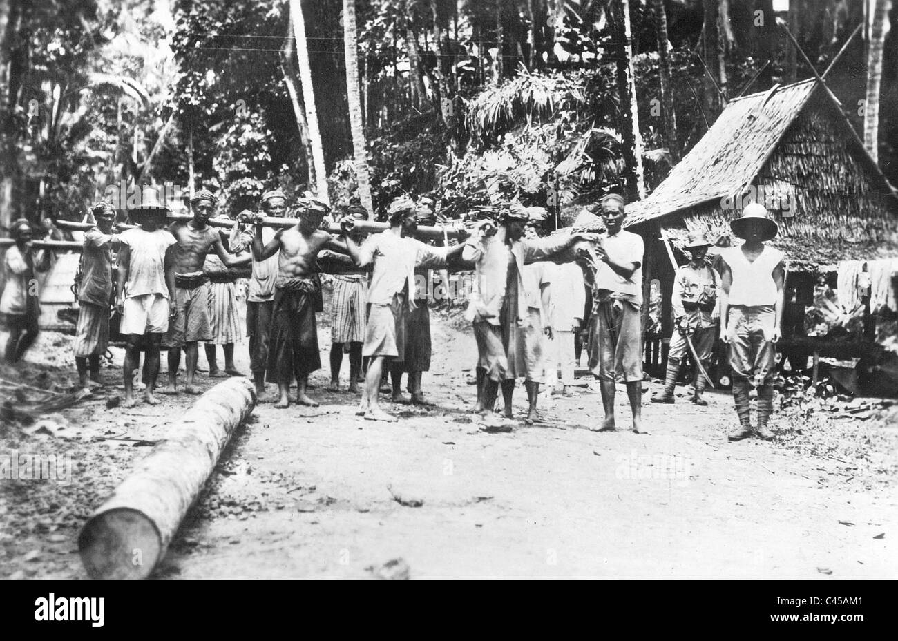 Captured insurgents in the Dutch East Indies (Indonesia), 1935 Stock Photo
