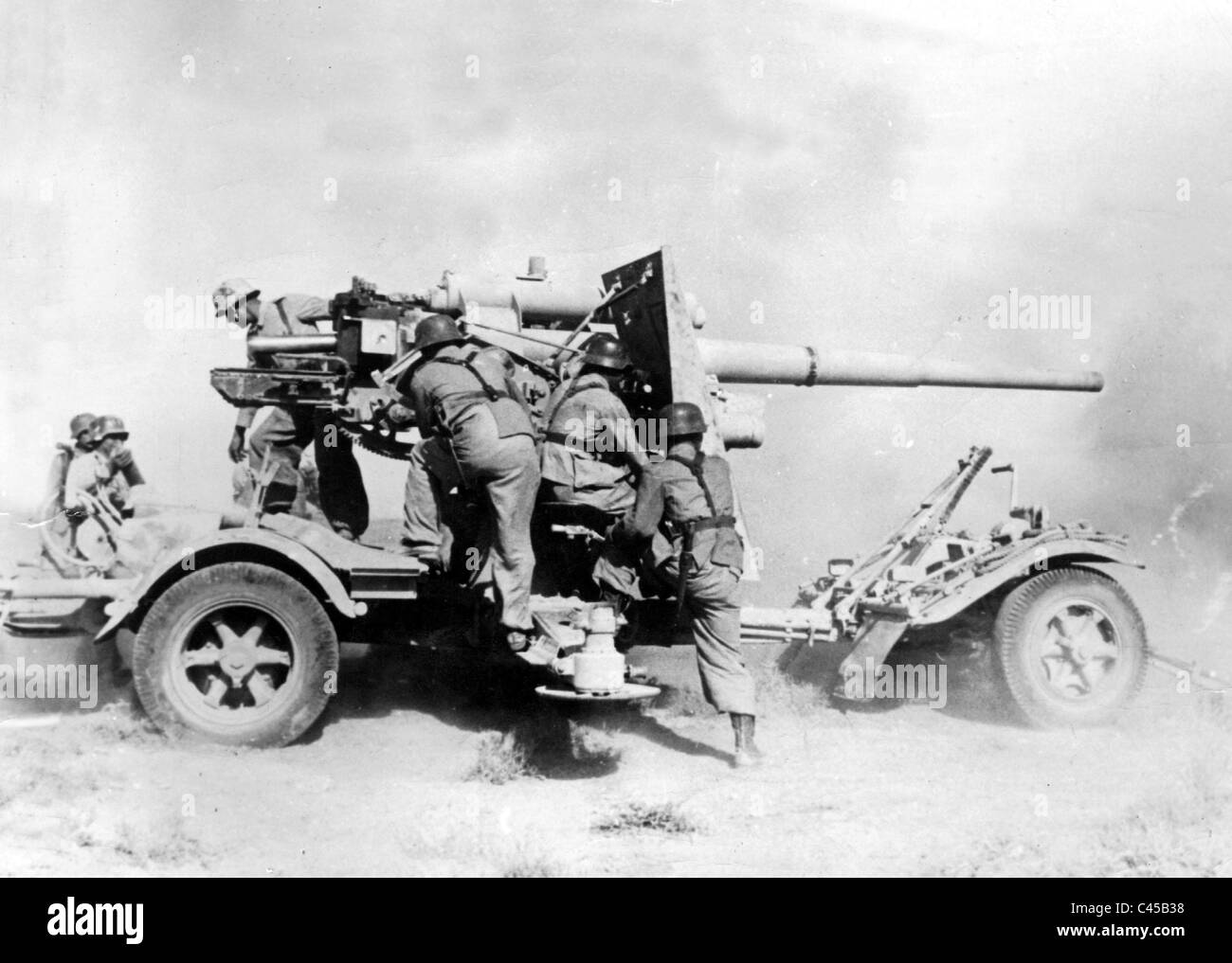German 8,8cm Flak 36 at the battle of El Alamein, 1942 - Stock Image