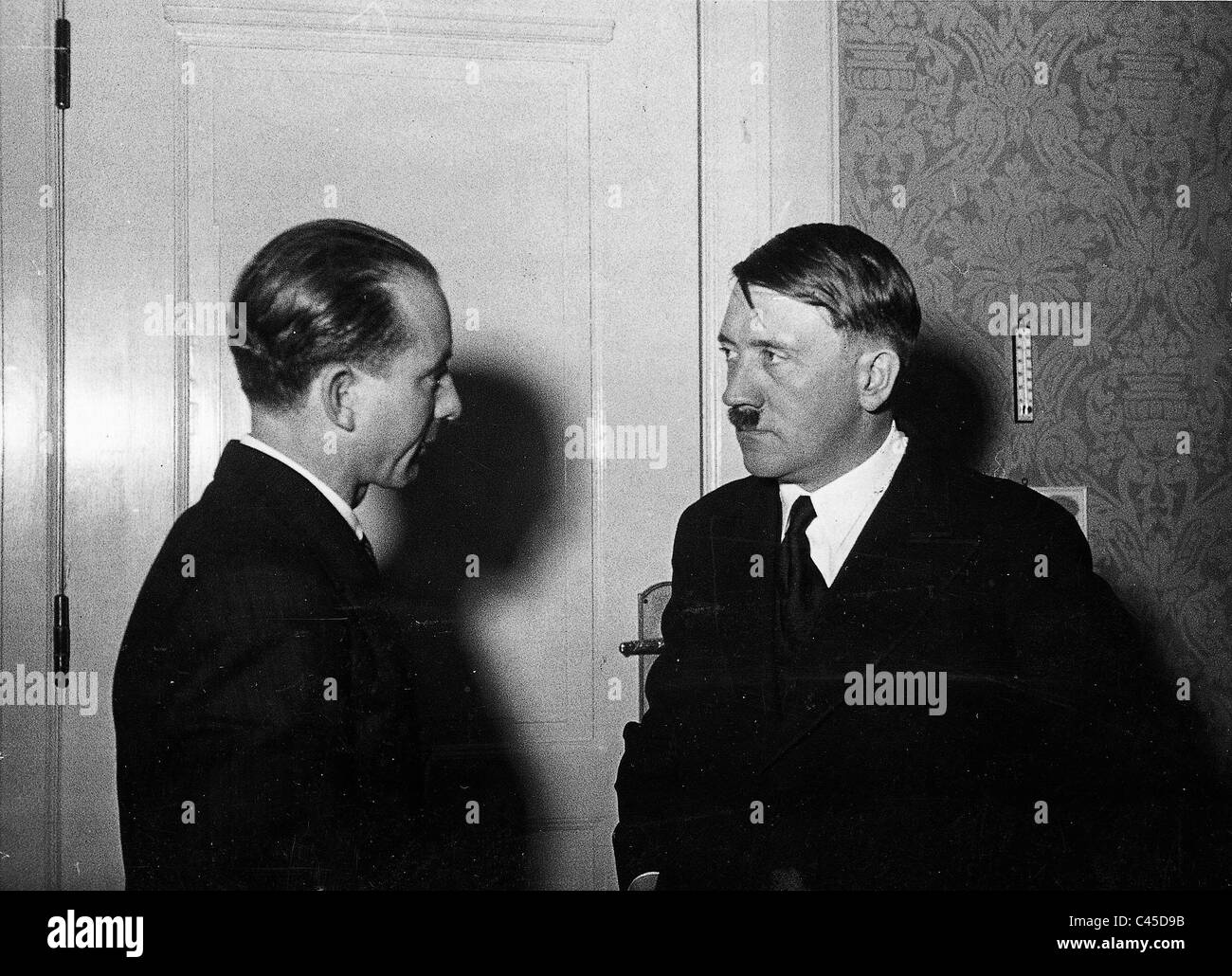 Hitler and Dietrich (left) on 30/01/1933 - Stock Image