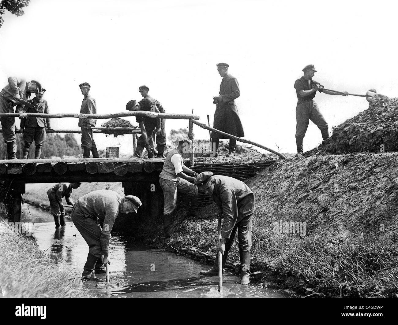 Members of the Voluntary Labour Service - Stock Image