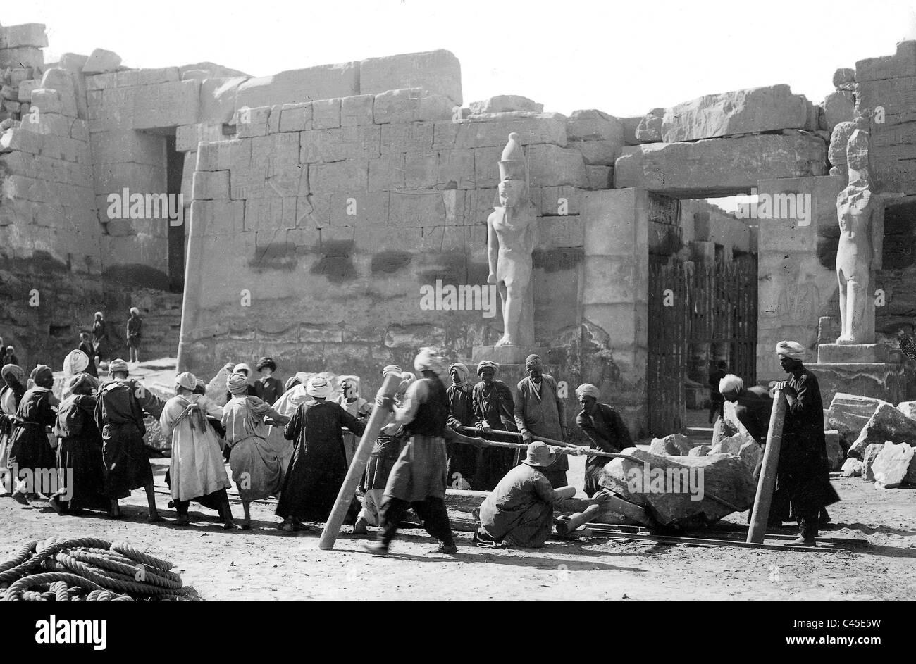 Archaeology in Egypt, 1934 - Stock Image