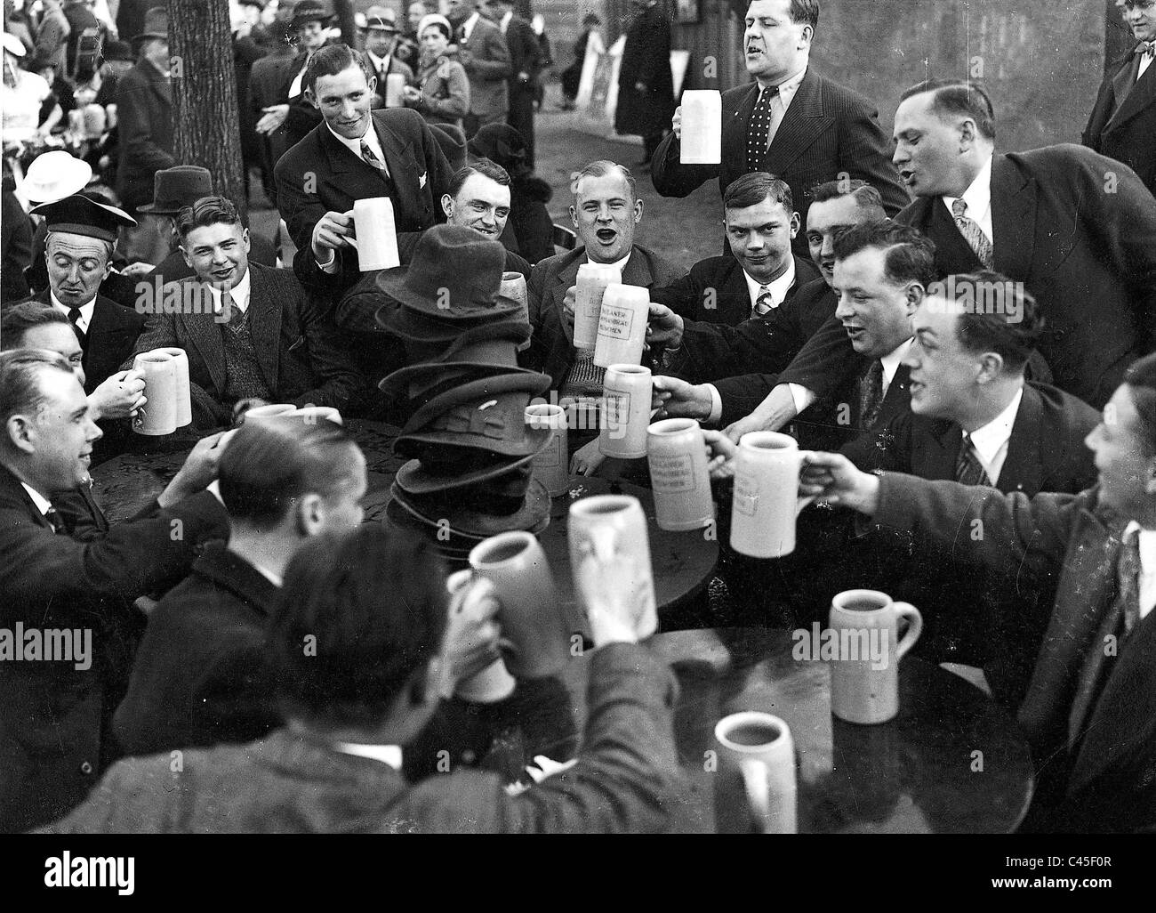 'Salvator Anstich' (tapping of the first dark beer) at Nockherberg in Munch (1935) - Stock Image
