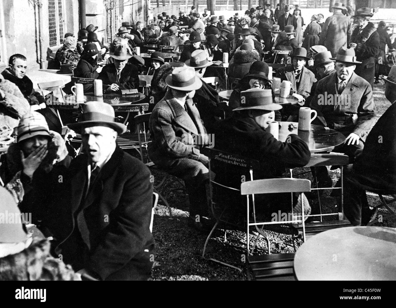 Salvator Anstich' tapping of the first dark beer) in Munich (1931) - Stock Image