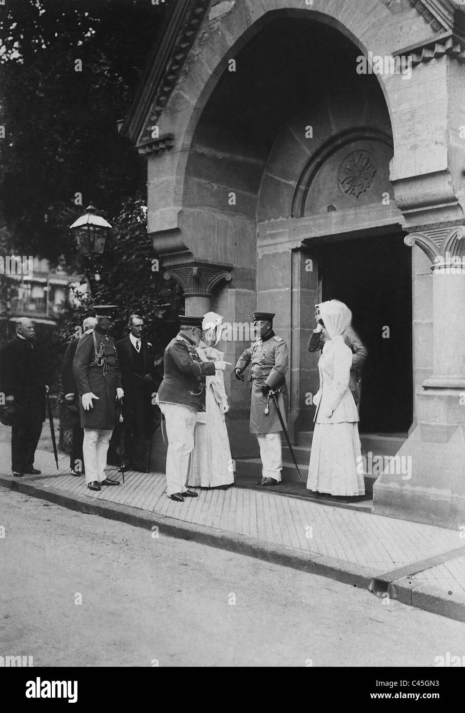 Wilhelm II. and Edward VII. in front of the English church in Bad Homburg, 1908 - Stock Image